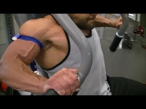PUMP UP YOUR PECS: HYPOXIC SUPERSET